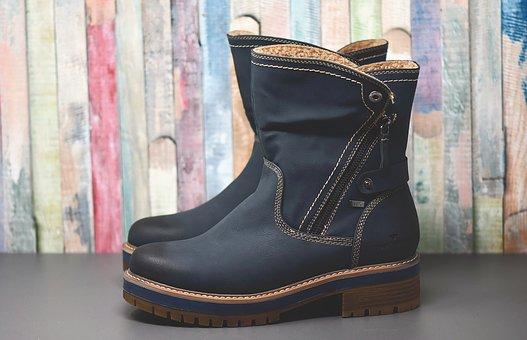 Лесно ли избират нови обувки дамите които имат големи ходила?
