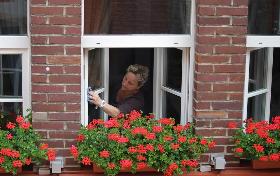 Професионално почистване на прозорци –  решение и за вашия дом