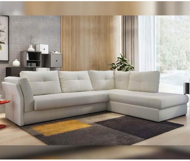 Красив и функционален дом с мебели от интернет сайт